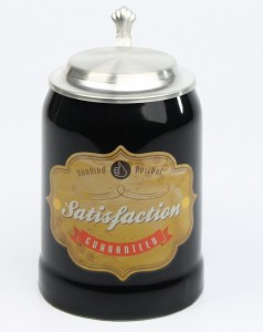 Vintage-Bierkrug-Satisfaction-guarateed-schwarz-ZD-5