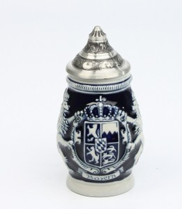 Souvenir Bayern mittel kobalt, Sitzddeckel_2